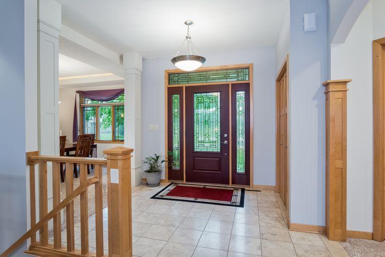 Foyer Photo #5