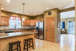 Breakfast Bar!2513 LEOPOLD WAY Photo 8