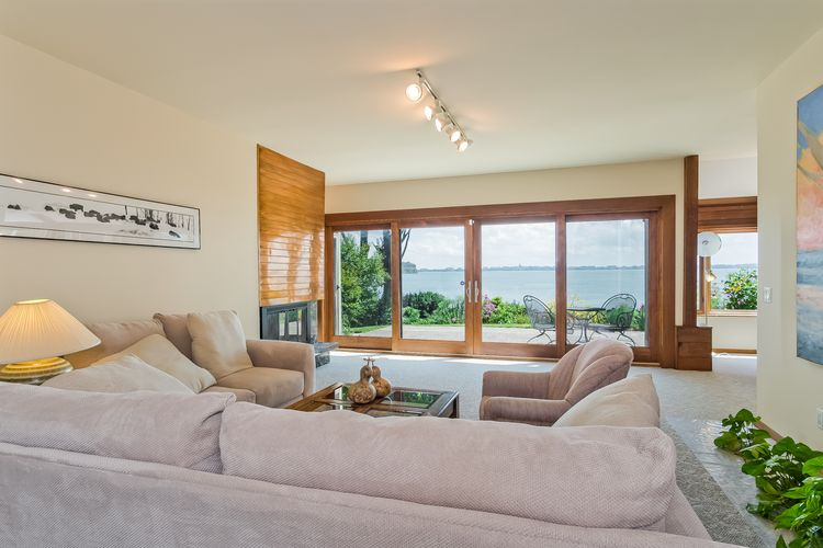 Living Room Photo #22