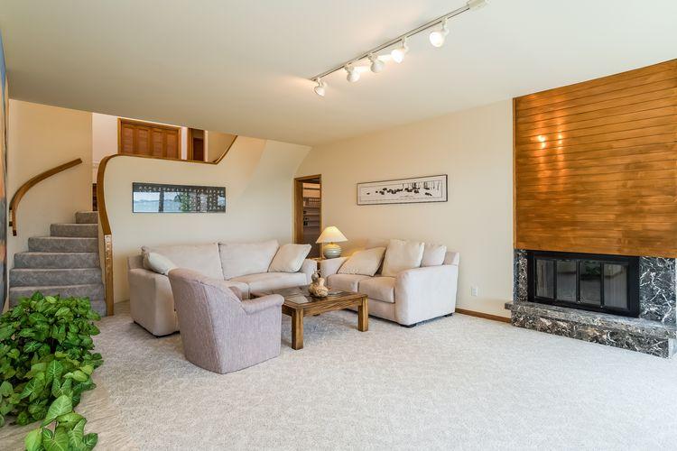 Living Room Photo #23