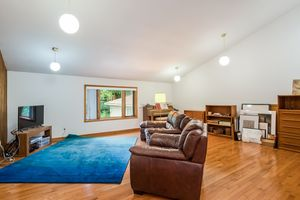 Great Room519 WOODWARD DR Photo 5