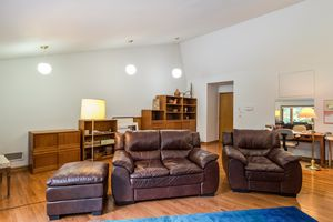 Great Room519 WOODWARD DR Photo 6