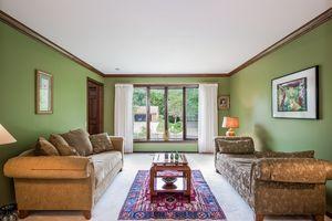 Living Room Photo 17