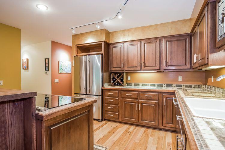 Kitchen Photo #24