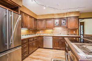 Kitchen Photo 26