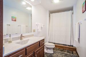 Bathroom Photo 51