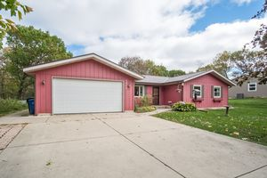 33432 VALLEY WOODS DR Photo 3