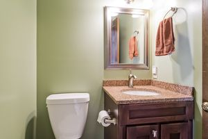 227209 FARMINGTON WAY Photo 22