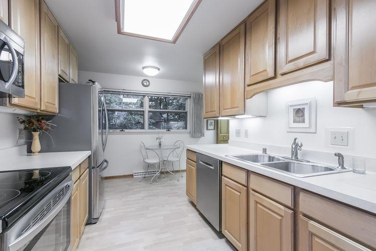 Kitchen Photo #20