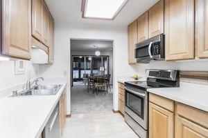 Kitchen33 HIAWATHA CIR Photo 21