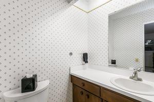 Master Bathroom33 HIAWATHA CIR Photo 32