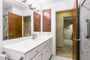 Bathroom33 HIAWATHA CIR Photo 33
