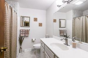 Bathroom33 HIAWATHA CIR Photo 37