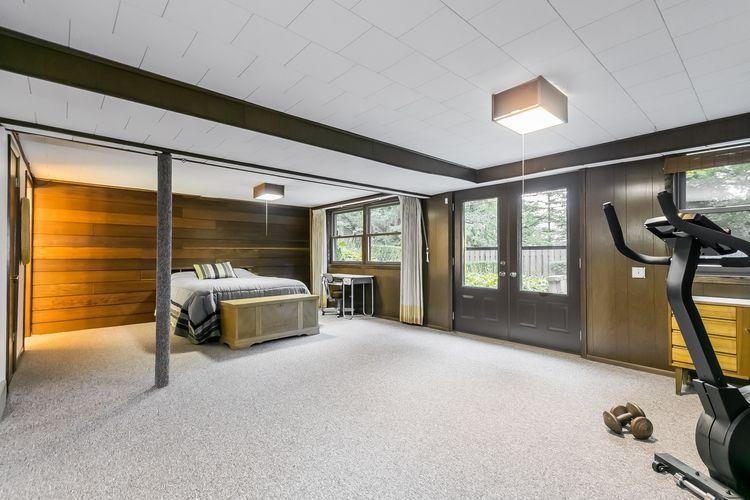 Bedroom Photo #54