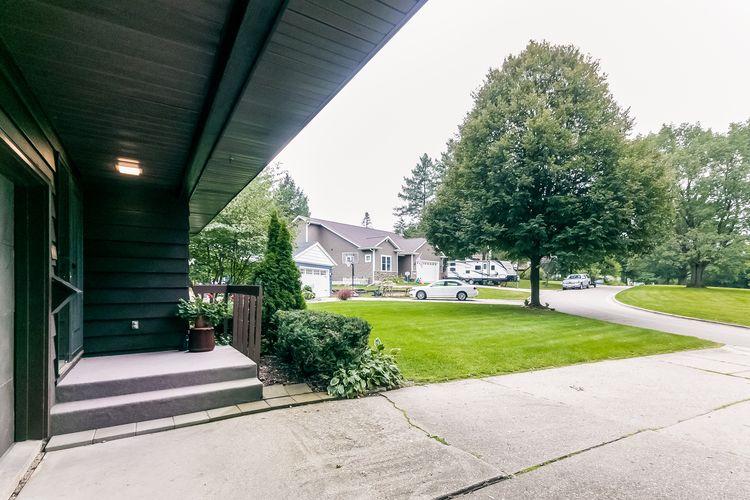 Front Entrance Photo #70