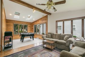Sun Room3202 CLOVE DR Photo 10