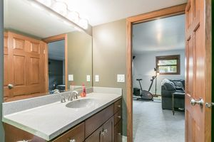 Bathroom3202 CLOVE DR Photo 37