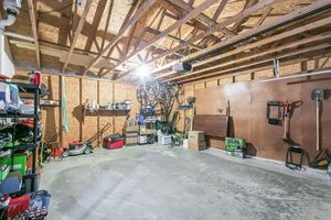 Garage3202 CLOVE DR Photo 40