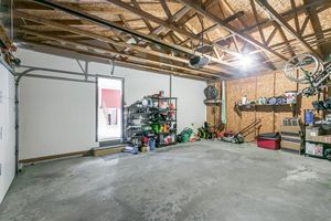 Garage3202 CLOVE DR Photo 41