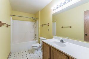 Master Bathroom215 E PARKVIEW ST D Photo 20
