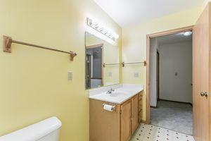 Bedroom215 E PARKVIEW ST D Photo 21
