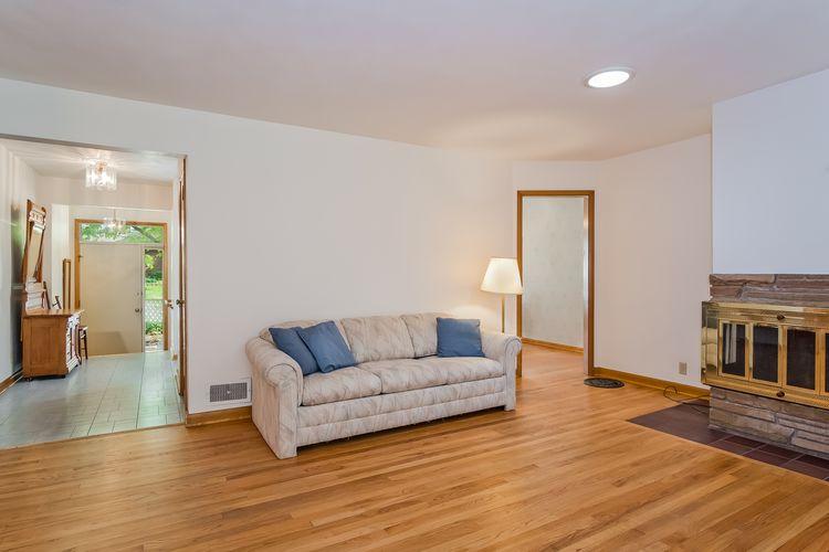 Living Room Photo #10