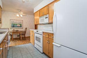 Kitchen506 Woodside Terr Photo 17