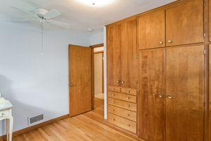 Bedroom506 Woodside Terr Photo 22