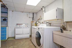 Mud Room506 Woodside Terr Photo 32
