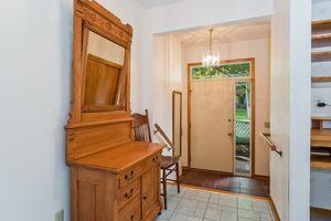 Living Room506 Woodside Terr Photo 6