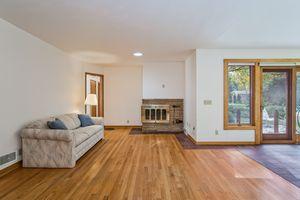 Living Room506 Woodside Terr Photo 9