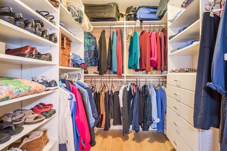 Walk In Closet Photo #24
