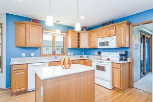 Kitchen237 N Westmount Dr Photo 18