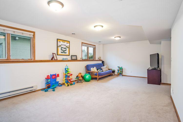 Family Room Photo #25