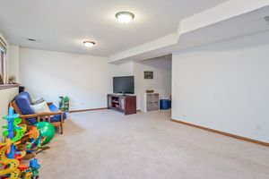 Family Room237 N Westmount Dr Photo 26