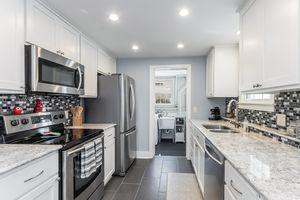 Kitchen4011 WINNEMAC AVE Photo 22