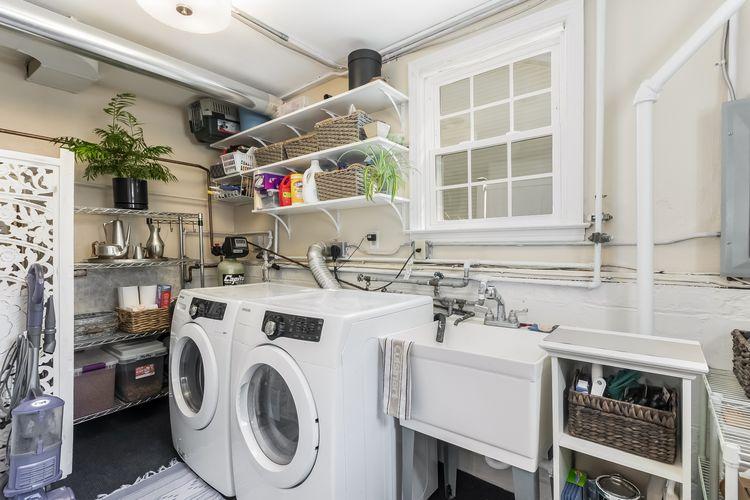 Laundry Room Photo #30