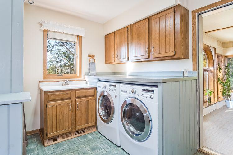 Bathroom \ Laundry Room Photo #20