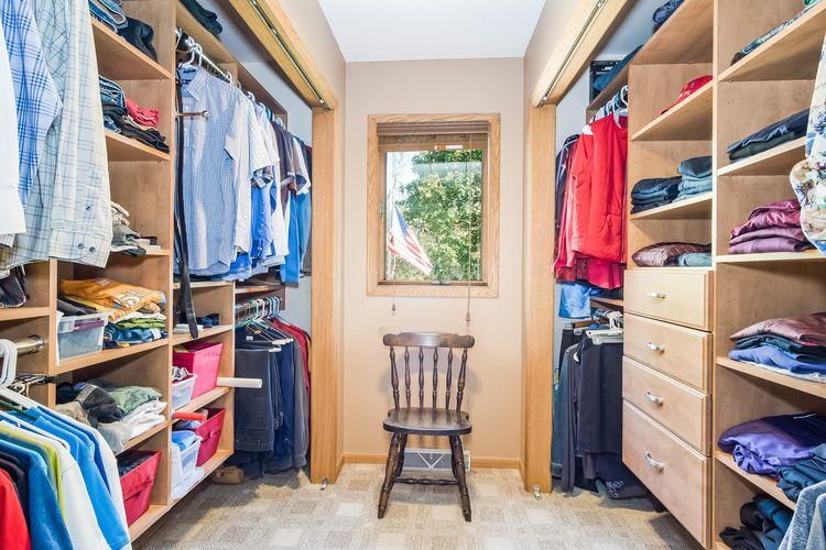 Walk In Closet Photo #32
