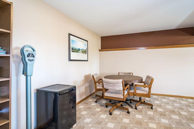 Family Room Photo #40