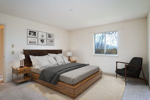 Master Bedroom1525 GOLF VIEW RD G Photo 20