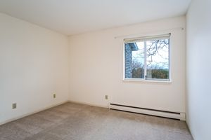 Bedroom1525 GOLF VIEW RD G Photo 25