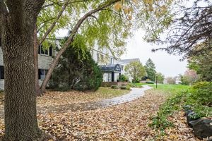 Front View1525 GOLF VIEW RD G Photo 31