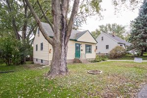 34610 Maher Ave Photo 3