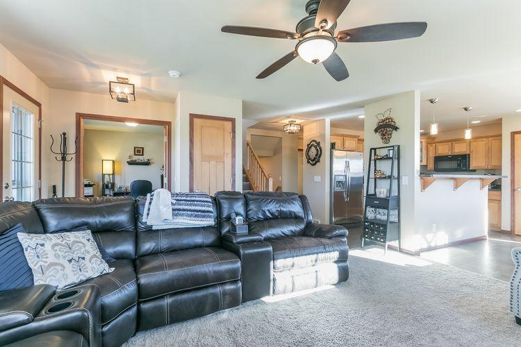 Living Room Photo #8
