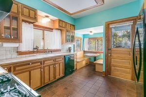 Kitchen610 S DICKINSON ST Photo 13
