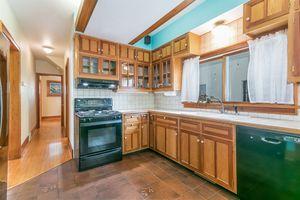 Kitchen610 S DICKINSON ST Photo 15