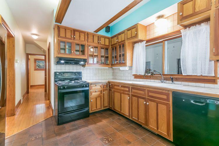 Kitchen Photo #15