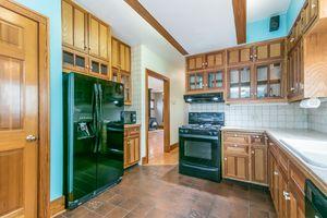 Kitchen610 S DICKINSON ST Photo 16