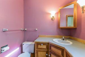Bathroom610 S DICKINSON ST Photo 19